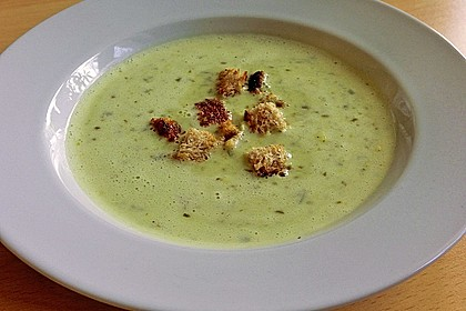 Bärlauch - Sahnesuppe mit Croutons 8