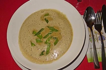 Bärlauch - Sahnesuppe mit Croutons 30