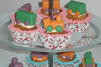 Marzipan Cupcakes 10