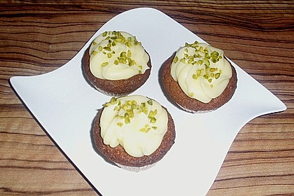 Marzipan Cupcakes 12