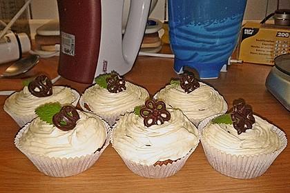 Marzipan Cupcakes 17