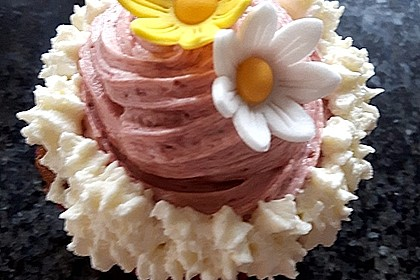 Marzipan Cupcakes 2