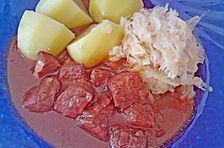 Gulasch mit Zwiebeln