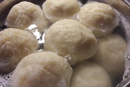 Einfache Kartoffelknödel nach Omas Rezept 12