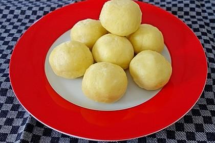 Einfache Kartoffelknödel nach Omas Rezept