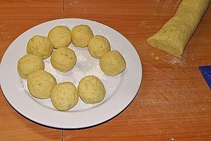 Einfache Kartoffelknödel nach Omas Rezept 4