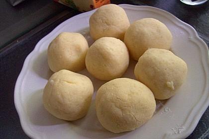 Einfache Kartoffelknödel nach Omas Rezept 9