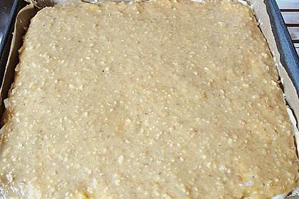 Bienenstich mit Äpfeln und Kokosraspeln 4
