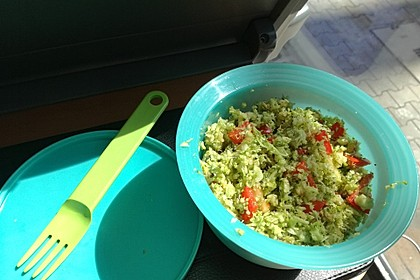 Brokkolisalat 10