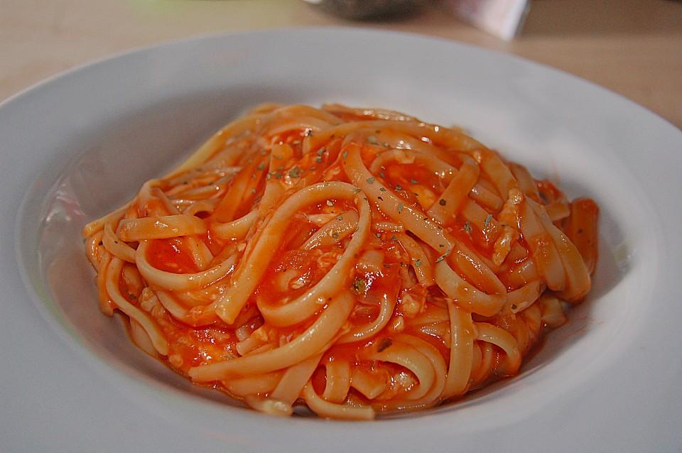 nudeln mit tomate mozzarella so e von cililein. Black Bedroom Furniture Sets. Home Design Ideas