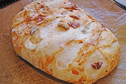 Brot mit Oliven und getrockneten Tomaten 23