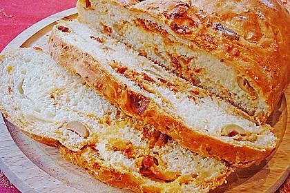 Brot mit Oliven und getrockneten Tomaten 19