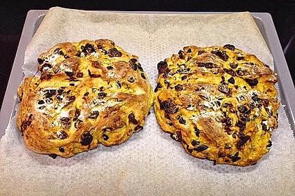 Brot mit Oliven und getrockneten Tomaten 26