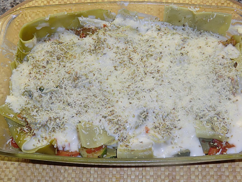 auberginen zucchini lasagne rezepte suchen. Black Bedroom Furniture Sets. Home Design Ideas