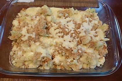 Blumenkohl mit Butterbröseln und Käse überbacken 4