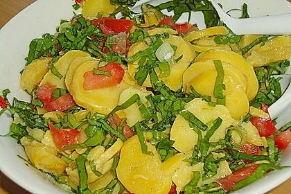 Kartoffelsalat mit Bärlauch und getrockneten Tomaten 5