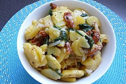 Kartoffelsalat mit Bärlauch und getrockneten Tomaten 1