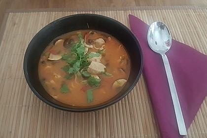 Pikante Thai Suppe mit Kokos und Hühnchen 27