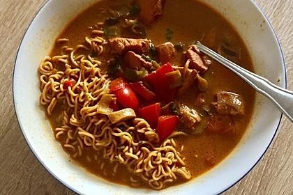 Pikante Thai Suppe mit Kokos und Hühnchen 64
