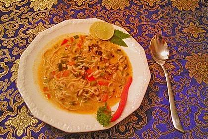 Pikante Thai Suppe mit Kokos und Hühnchen 55
