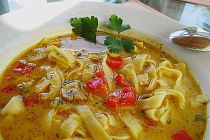 Pikante Thai Suppe mit Kokos und Hühnchen 22