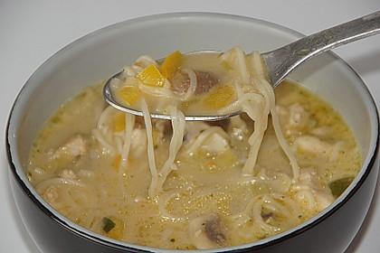 Pikante Thai Suppe mit Kokos und Hühnchen 54