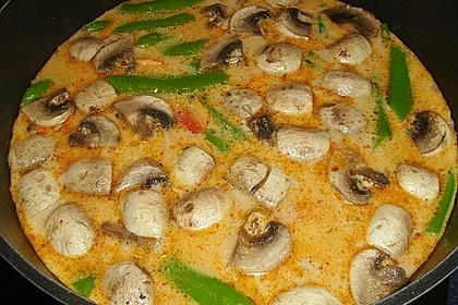 Pikante Thai Suppe mit Kokos und Hühnchen 33