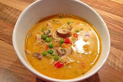 Pikante Thai Suppe mit Kokos und Hühnchen 15