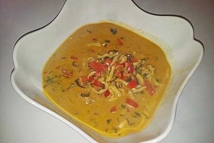 Pikante Thai Suppe mit Kokos und Hühnchen 66