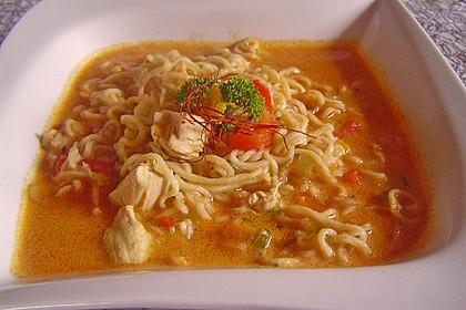 Pikante Thai Suppe mit Kokos und Hühnchen 31