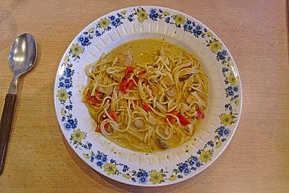 Pikante Thai Suppe mit Kokos und Hühnchen 43