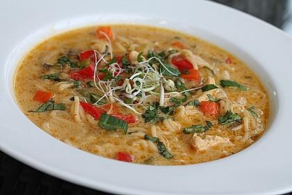 Pikante Thai Suppe mit Kokos und Hühnchen 5