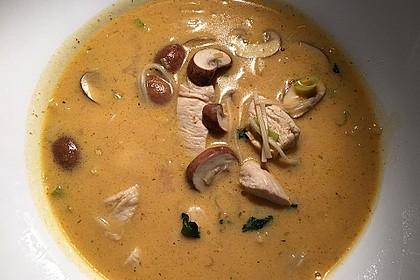Pikante Thai Suppe mit Kokos und Hühnchen 57