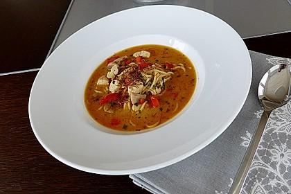 Pikante Thai Suppe mit Kokos und Hühnchen 6