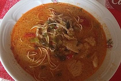 Pikante Thai Suppe mit Kokos und Hühnchen 58