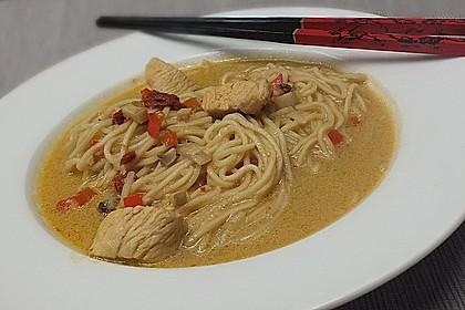 Pikante Thai Suppe mit Kokos und Hühnchen 28