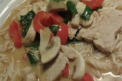 Pikante Thai Suppe mit Kokos und Hühnchen 59