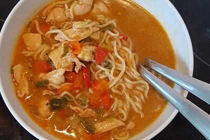 Pikante Thai Suppe mit Kokos und Hühnchen 61