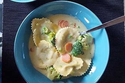 Tortelloni in Käse - Sahne - Sauce 33