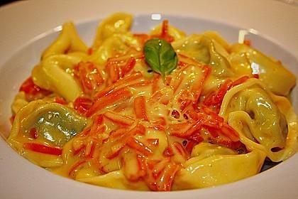 Tortelloni in Käse - Sahne - Sauce 21