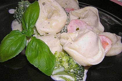 Tortelloni in Käse - Sahne - Sauce 15