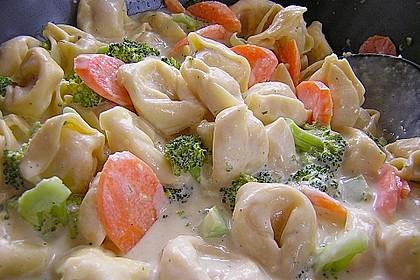 Tortelloni in Käse - Sahne - Sauce 12