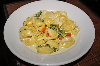 Tortelloni in Käse - Sahne - Sauce 1