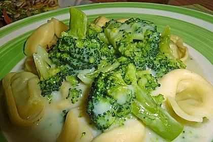 Tortelloni in Käse - Sahne - Sauce 14
