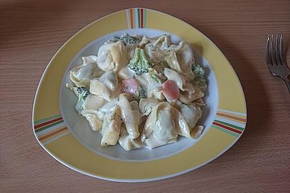 Tortelloni in Käse - Sahne - Sauce 25