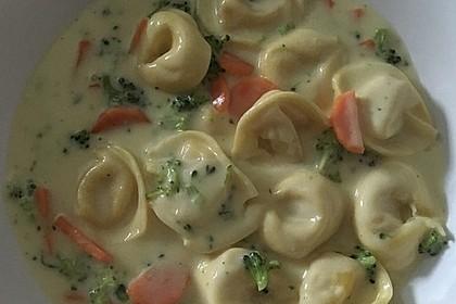 Tortelloni in Käse - Sahne - Sauce 18