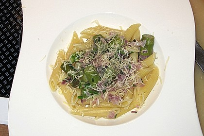 Spargel mit Schinken und Pasta 12