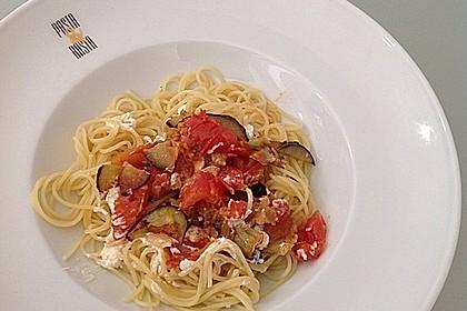 Nudeln in einer Tomaten - Auberginen - Soße 1