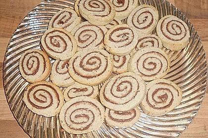 Schokoladen - Haselnusscreme - Spiralen 17
