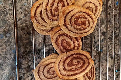 Schokoladen - Haselnusscreme - Spiralen 23